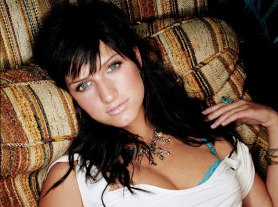 Ashlee Simpson Picture, hot, but on horrible couch